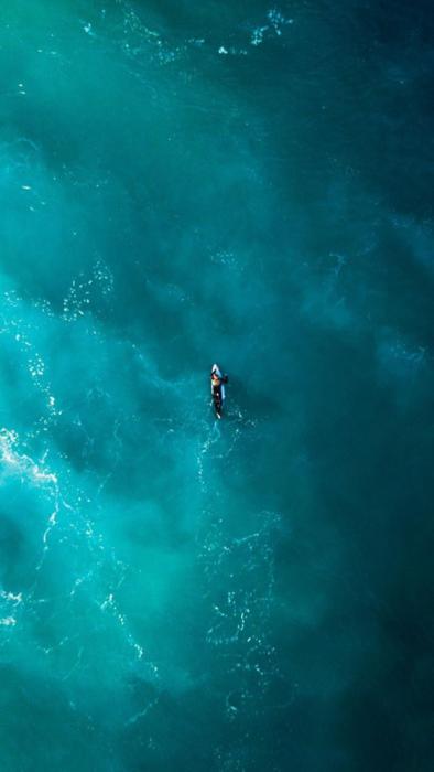 Surfing Phone 1